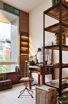 Oficina con aire industrial años 50