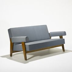 Pierre Jeanneret, 1960. Sofa Furniture, Vintage Furniture, Furniture Design, Mid-century Modern, Modern Design, Pierre Jeanneret, Sofa Styling, Le Corbusier, Chandigarh