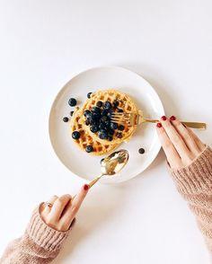 Breakfast please  #b
