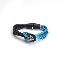 Cristaluna Bellenodo  schwarzes  und metallic blaues Leder, Magnetverschluss  Acryl Ball mit kristallen einer Portion Extravaganz!!! auch als Halsschmuck erhältlich