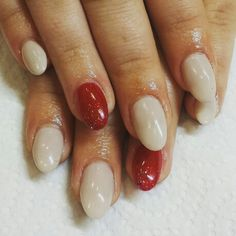 nude & red gel nails