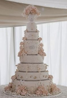Garrods Wedding Cakes ....of splendour: This beautiful wedding cake I designed and decorat...