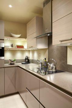 Kleine Küche Einrichten   44 Praktische Ideen Für Individualisierung Des  Kleines Raumes