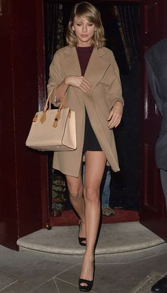 taylor-swift-camel-coat-style-peep-toes-shoes