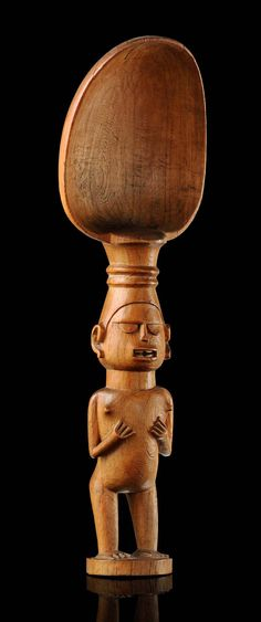 Africa | Ritual spoon from the Sundi people of DR Congo | Wood | Sundi chiefs used to eat vegetable hotpots together with their inferiors. They used wooden spoons while the men of lower ranks used provisional spoons consisting of folded leaves.