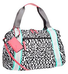 We never get tired of these patterns #PUMAstyle #handbag