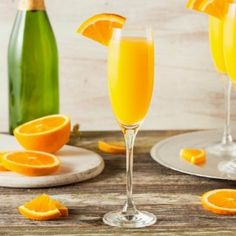 Grand Marnier Simple Mimosa Recipe/ Directions Fill champagne flute full of fresh-squeezed orange juice. Top up with brut champagne. Add the teaspoon of Grand Marnier. Mimosa Cocktail Recipes, Cocktails Champagne, Cocktail Fruit, Best Champagne, Classic Cocktails, Champagne Recipe, Champagne Flutes, Cocktail Ideas, What Is A Mimosa