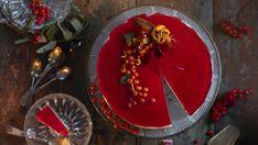Kettukarkkikakku – gluteeniton juustokakku on hitti -Kotiliesi.fi Christmas Mood, Christmas Baking, Sweet Pastries, Sweet Desserts, Cheesecakes, Birthday Candles, Panna Cotta, Food And Drink, Sweets