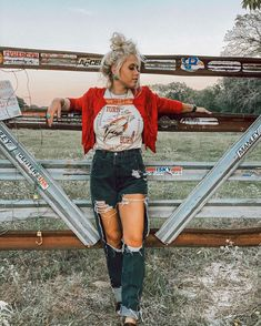 Country Style Outfits, Southern Outfits, Cute Casual Outfits, Simple Outfits, Western Outfits Women, Rodeo Outfits, Westerns, Pose, Fashion Outfits