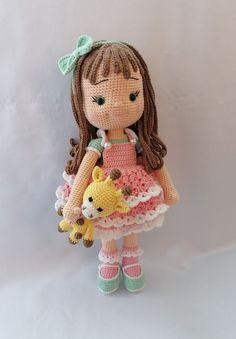 Darla amigurumi papusa crosetata | Breslo Crochet Hats, Teddy Bear, Toys, Animals, Amigurumi, Knitting Hats, Activity Toys, Animaux, Animal