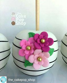 Kate spade themed Apple based on a cake pop I did a little while back. Chocolate Covered Apples, Caramel Apples, Elegant Cake Pops, Elegant Cakes, Gourmet Candy Apples, Cakepops, Wedding Sweets, Wedding Cakes, Apple Decorations