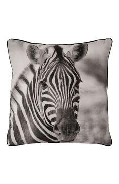 Primark - Kissen mit schwarz-weißem Zebrafoto Zebra Painting, Cushions, Pillows, Primark, Safari, Bedroom Decor, Plush, Stripes, Tapestry
