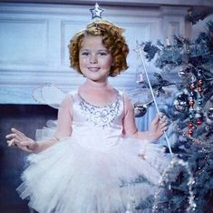 Shirley Temple, child movie star, dressed up as a fairy. From a Shirley Temple collection photo C. Child Actresses, Child Actors, Vintage Hollywood, Classic Hollywood, Hollywood Glamour, Hollywood Stars, Temple Movie, Shirly Temple, Christmas Fairy