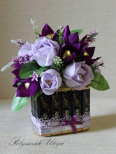 Paper Flower Art, Crepe Paper Flowers, Flower Crafts, Fabric Flowers, Bouquet Box, Bouquet Wrap, Flower Box Gift, Flower Boxes, Handmade Flowers