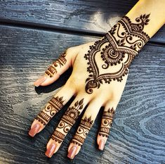 Mehndi pattern. I'd love to have something like this on me but I'm allergic to…