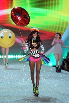 Pin for Later: Die nächste Modenschau von Victoria's Secret wird genau SO aussehen Jasmine Tookes