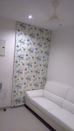 Cool Roman Blind with Flowers enhancing the beauty of white interiors