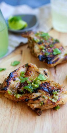 Chili Lime Chicken - amazing and juicy chicken with chili and lime juice, so good!! | rasamalaysia.com
