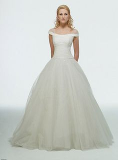 Disney Princess Wedding Dresses For Your Fairy Tale Wedding: Cinderella Bridal Dress