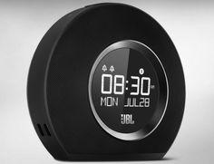 cool Un réveil matin high-tech chez JBL.