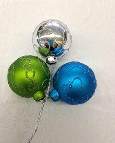 Sprays, Balls, Christmas Bulbs, Texture, Holiday Decor, Surface Finish, Christmas Light Bulbs, Patterns