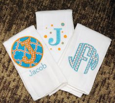 Personalized circle monogram applique burp cloth Set of 3