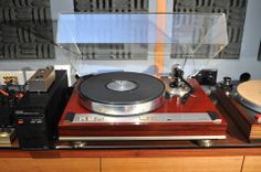 Luxman PD-350 turntable