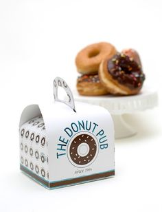 Donut Packaging - 18 Great Donut Packaging Designs at Ateriet.com (Cake Box)