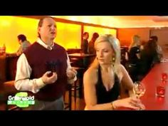 Italienisch Menthol - YouTube Comedy, Advertising, Videos, Youtube, Funny Clips, Italy, Funny Stuff, Comedy Theater, Youtubers