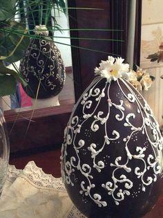 Uovo di Pasqua decorato by titty. Chocolate easter egg -Fabergé royal icing art