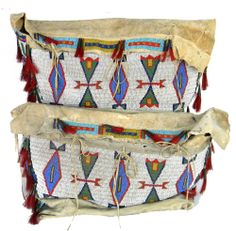 Sioux beaded Native American Indian possible bags. Native American Beauty, Native American Beadwork, Native American History, Native American Indians, Native American Jewelry, Beaded Purses, Beaded Bags, Beaded Moccasins, Indian Quilt
