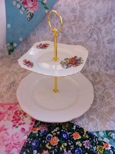 Pretty vintage 2 tier cake stand by byLeahClare on Etsy