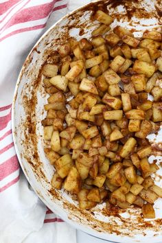 Homemade Stovetop Apple Pie Filling is quick and easy. You can add your favorite seasons like cinnamon, nutmeg, maple syrup and more. Apple Pie Ice Cream, Apple Cranberry Pie, Apple Pie Oatmeal, Making Apple Pie, Homemade Apple Pie Filling, Best Apple Pie, Apple Kuchen Recipe, Apple Pie Recipes, Cake Recipes