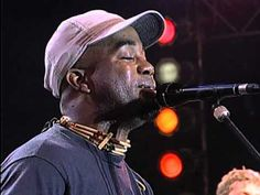 Hootie and the Blowfish - Let Her Cry (Live at Farm Aid 1995) Amazing guest performance by Willie Nelson on guitar..best rendition of the song..so powerfully sung!