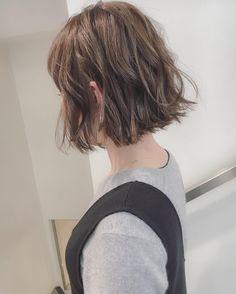 いいね!1,023件、コメント2件 ― 安藤圭哉 🌿SHIMA PLUS1 stylistさん(@andokeiya)のInstagramアカウント: 「切りっぱなしボブにくせ毛風ウェーブスタイル☝🏻️🌿 インスタをみて来てくれる方が、今日もたくさんいらしてとても嬉しいです😊 . shimaでは指名料はかかりませんのでお気軽にご指名ください^o^ .…」