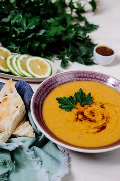 Türkische rote Linsensuppe We show you how to make the classic of Turkish cuisine. Healthy Egg Recipes, Easy Meat Recipes, Healthy Eating Tips, Whole 30 Recipes, Easy Dinner Recipes, Soup Recipes, Hamburger Meat Recipes Ground, Slow Cooker Meat Recipes, Cooking Quotes