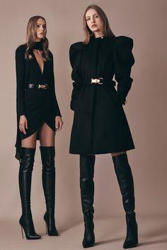 Elie Saab Pre-Fall 2019 Fashion Show Collection: See the complete Elie Saab Pre-Fall 2019 collection. Look 19 Fashion Mode, Look Fashion, Couture Fashion, Runway Fashion, High Fashion, Fashion Show, Autumn Fashion, Womens Fashion, Fashion Design