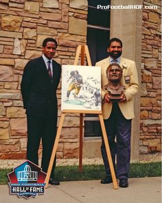 Pro Football Hall of Famers and former #Steelers teammates Franco Harris (right) and Lynn Swann (left) celebrate their birthdays today. Swann served as Franco's presenter in 1990 and joined him in the HOF in 2001. Click on image for our list of HOFers by team.