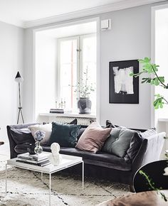Great mix of styles - via cocolapinedesign.com