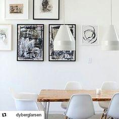 Crayon takpendel fra @dyberglarsen er bare så stilige  #Repost @dyberglarsen  Crayon lamp. Shine and Matt. White & Black. 13183045 cm. #lightupno #crayon #whiteinterior #dyberglarsen #frankkerdil #danishdesign #danishmodern #interiordesign #icon #livingroom #pendel #pendant #roomdesign #kitchen