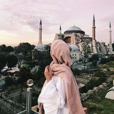 Uploaded by ‍princess Rose. Find images and videos about hijab, muslim and mosque on We Heart It - the app to get lost in what you love. Hijab Musulman, Beau Hijab, Hijab Dpz, Hijab Stile, Muslim Hijab, Hijab Chic, Hijab Outfit, Hijabi Girl, Girl Hijab