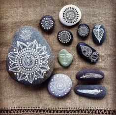 мандалы на камнях фото 1 (700x693, 553Kb)