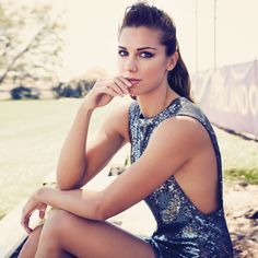 women's soccer star is getting her body and mind in peak for Rio, what she wishes all young girls knew, and why she believes the time is right now for fair pay for woman; both on the soccer field and off. Alex Morgan Soccer, Alex Morgan Body, Usa Girls, Good Soccer Players, Football Players, Soccer Stars, Soccer Usa, Nike Soccer, Sports Stars