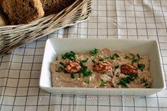 Σκορδαλιά με ψωμί και καρύδια (VIDEO) Crete, Fried Rice, Risotto, Fries, Meat, Chicken, Cooking, Ethnic Recipes, Ethnic Food