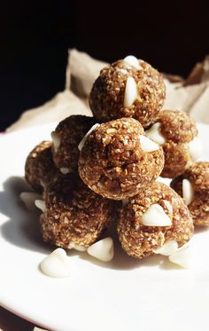 {Healthy, Low Calorie, Vegan} These cinnamon bun energy bites are a healthy snack inspired by the decadent dessert-- and made with a fraction of the effort.
