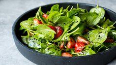Salat med jordbær og spinat