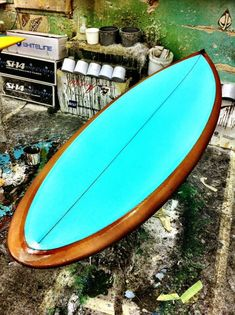 Colour Zing Mayhem Surfboard RockUp model with Root Beer brown bottom and Mint inlay on the deck. Surf Design, Surfboard Art, Skate Surf, Longboarding, Surf Style, Surfs Up, Surf Girls, Ocean Beach, Bali Travel