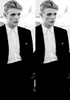 "wingedbelievereagle: "" vezzipuss: ""David Bowie, ""TMWFTE"" Circa 76 〰 "" BEAUTIFUL ! """