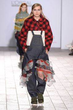 Catwalk photos and all the looks from Central Saint Martins BA Autumn/Winter 2015-16 Ready-To-Wear London Fashion Week