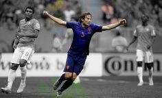 Юнайтед и Барселона са готови да платят около 20 милиона евро за 24-годишния Дейли Блинд, но холандците настояват за сума от порядъка на около 22 милиона евро.  Четете още на: http://spisanievip.com/utd-i-barca-v-bitka-za-blind/